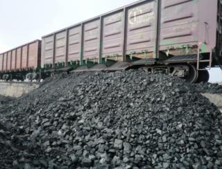 Россия активно продает уголь из зоны АТО, причем делает это через всю Украину, – СМИ