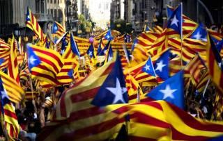 Испанский суд велел посадить в тюрьму восьмерых членов правительства Каталонии и, по слухам, самого Пучдемона