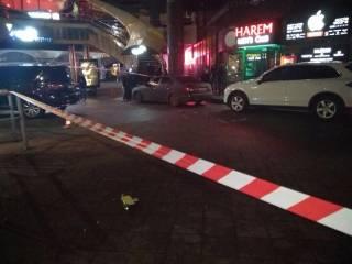 В Киеве неизвестные бросили взрывчатку в холл стриптиз-клуба
