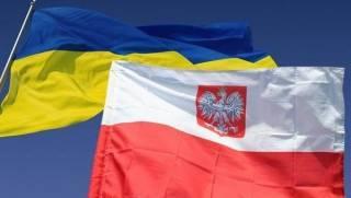 Пока президент Польши возмущается антипольскими политиками в Украине, его дипломат сравнил Львов с Крымом и Донбассом
