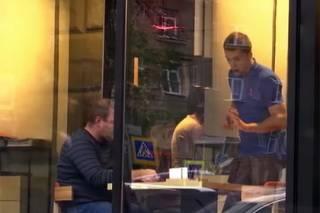 Большинство официантов и гостей харьковских кафешек игнорируют украинский язык, говоря о «русском городе»