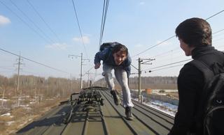 На Львовщине из-за группы зацеперов пришлось останавливать поезд