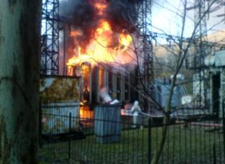 Возле Брюсселя загорелась электростанция. В воздух попали токсичные вещества