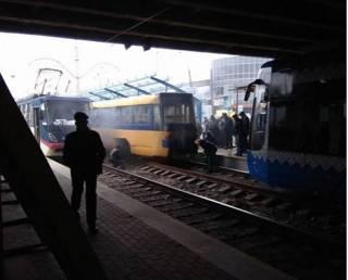 В самый разгар рабочей перевозки в Киеве загорелся скоростной трамвай