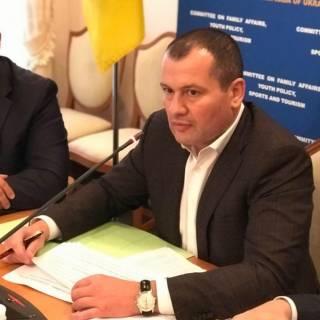 Палатный просит Гройсмана разобраться с невыплатой зарплаты врачам в Смеле