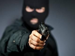 В Киеве совершено очередное дерзкое ограбление. У мужчины отобрали сумку с 3 млн. грн.