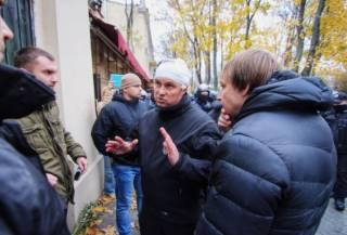 В ходе массовых столкновений в Одессе пострадали около 10 полицейских, включая главу местной полиции