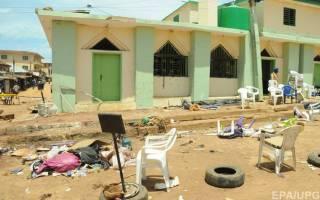 В Нигерии подросток-смертник в мечети взорвал на себе пояс шахида. Погибли не менее 50 человек, десятки — ранены