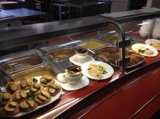 Журналистам рассказали, какие блюда в депутатской столовой пользуются наибольшим спросом