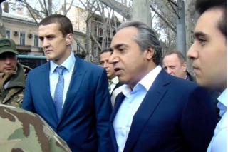 Одесский Гроссбух Аднана Кивана: зарплату у олигарха получили известные активисты, - СМИ