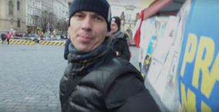 В Праге россияне устроили потасовку, пытаясь сорвать проукраинскую акцию
