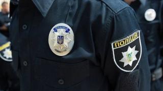В Днепре 8-летняя девочка попросила полицию о помощи