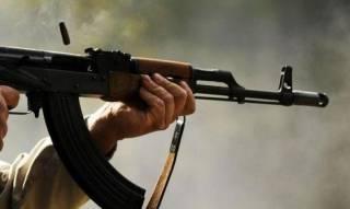 На Херсонщине пьяный срочник начал стрелять по людям у супермаркета
