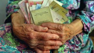 С сегодняшнего дня украинцев ждут новые выплаты, тарифы и, возможно, цены