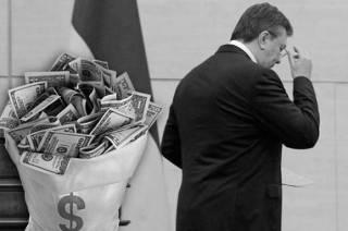 Власть прощелкала долг Януковича. Платить будут граждане