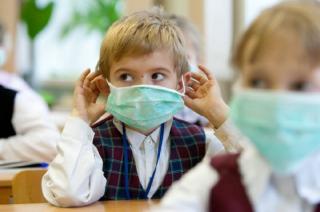 За неделю более 190 тысяч украинцев слегли с гриппом и ОРВИ. В Днепре начали закрывать школы