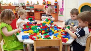 В Минобразования обещают ликвидировать очереди в детские сады. Правда, не сейчас