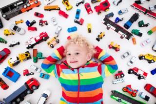 Ученые доказали, что слишком большое количество игрушек вредно для здоровья ребенка