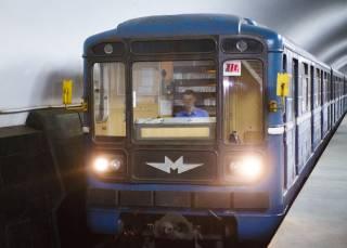 Чернокожий парень решил голым прокатиться в харьковском метро