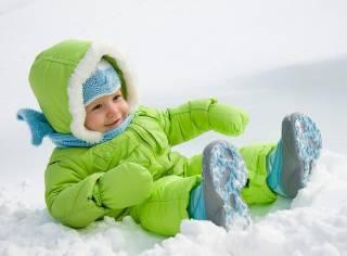 Как правильно одевать малыша зимой?