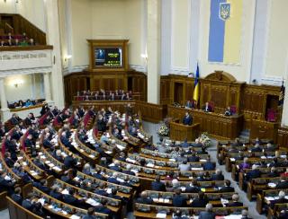 Нардепы решили, что они лучше знают, сколько посылок должны получать украинцы