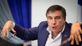 #Темадня: соцсети и эксперты отреагировали на задержание и голодовку Саакашвили