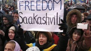 #Темадня: Соцсети и эксперты отреагировали на освобождение Саакашвили из-под стражи