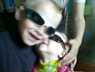 На Днепропетровщине похоронили двухлетнюю девочку, которую застрелил брат