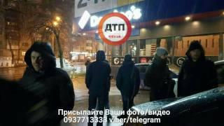 В Киеве неизвестные устроили разборки со стрельбой прямо около пиццерии