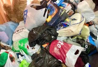 В полтавском интернате выбросили на помойку вещи, подаренные детям ко Дню святого Николая