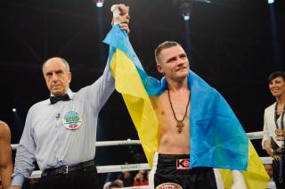 Украинский боксер Денис Беринчик завоевал первый титул в своей карьере
