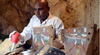 В Египте нашли сразу две уникальные гробницы с сокровищами