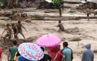 На Филиппины обрушилось смертоносное наводнение