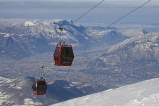 В Альпах спасли около 160 человек, застрявших на канатной дороге