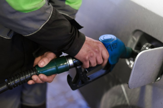 Цена на бензин перешагнула отметку в 31 гривну