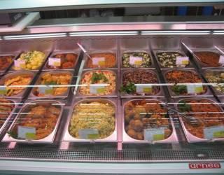 Названы наиболее некачественные товары, которые можно купить в киевских супермаркетах