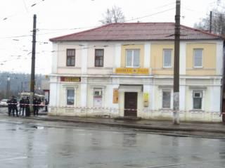 Неизвестный захватил отделение «Укрпочты» в Харькове и угрожает подорвать находящихся там людей