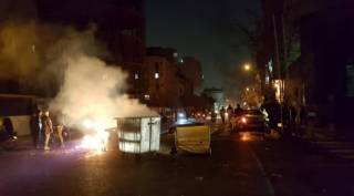 В Иране четвертый день бушуют беспорядки. Президент США открыто выступил в поддержку протестующих