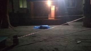В новогоднюю ночь в Запорожье самоубийца, выпрыгнув из окна, убил ни в чем не повинного мальчика