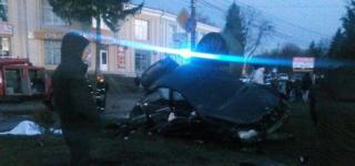 В Шепетовке водитель сбил молодую мать с детской коляской и скрылся с места ДТП