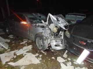 Водитель «Мерседеса» в Ровно умудрился за раз повредить 26 автомобилей. И дорого за это поплатился