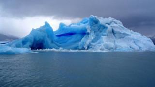 Океанское дно начало проседать под весом воды тающих ледников