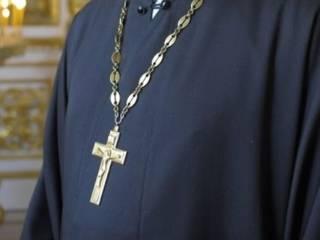 Священник, отказавшийся отпевать ребенка в Запорожье, утверждает, что крещенные в УПЦ КП дети гибнут
