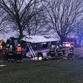 В пригороде Праги разбился рейсовый автобус. 48 пострадавших