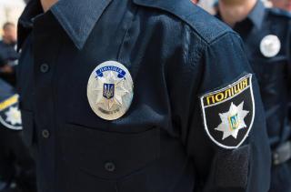 Полицейские вернули мужчине забытые им в «Борисполе» 8 тысяч долларов