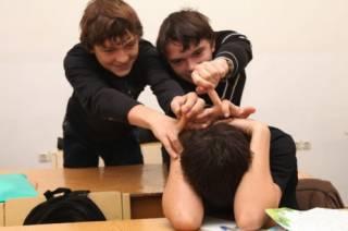 В школе на Запорожье разгорелся скандал из-за детской агрессии