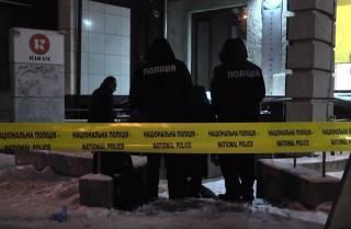 В центре Харькова иностранец выпал из окна квартиры, в которой находился труп женщины