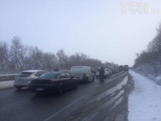 Одесская трасса застыла в бесконечной пробке