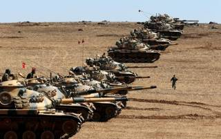 Турки начали наступление в Сирии на земле и по воздуху. Курды утверждают, что уже уничтожили 5 танков