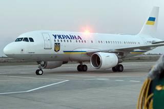 Стало известно, во что обошелся бюджету Украины перелет Порошенко в Давос